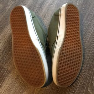 12c352454c Vans Shoes - Vans Era Size 11 - Army Green
